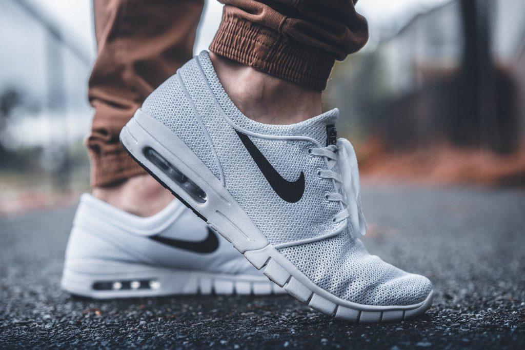 Un tribunal oblige Nike à retirer sa campagne «Sport Changes Everything», d'un montant de 16 millions d'euros, dans une affaire de contrefaçon de marque